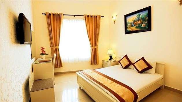 Phòng 2 khách tại khách sạn Tulip 1