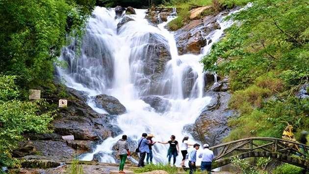 Tour tham quan tam thác tại Đà Lạt 1 ngày giá rẻ
