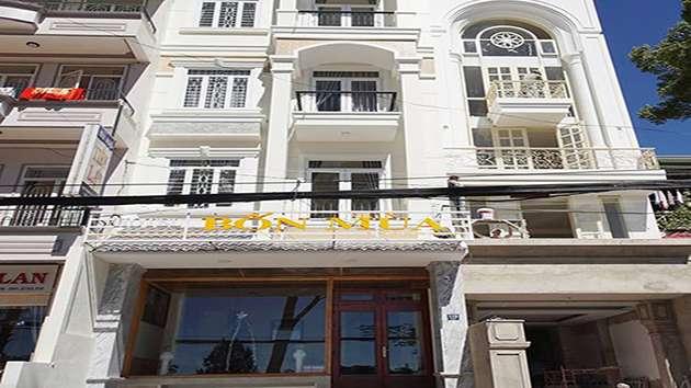 Khách sạn Bốn Mùa