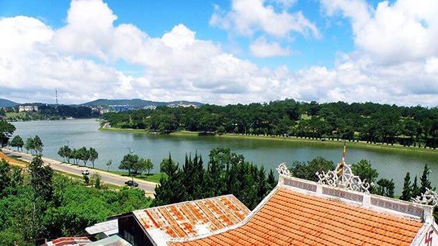 Kinh nghiệm đặt phòng khachs sạn Đà Lạt gần hồ Xuân Hương