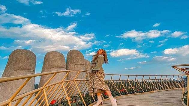 """""""sống ảo"""" tại cây cầu vàng Đà Lạt"""