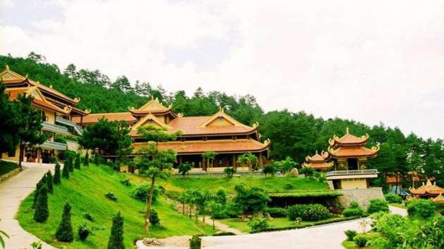 Tham quan Thiền Viện Trúc Lâm