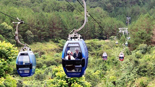 Đi cáp treo đến hồ Tuyền Lâm