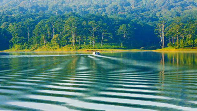 Tuyen Lam Lake in Da Lat