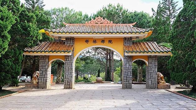 Thiền viện Trúc Lâm địa điểm bình yên và thanh tịnh