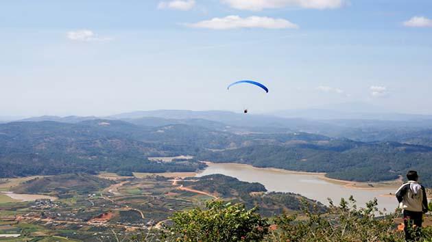 Các trò chơi tại khu du lịch núi Langbiang