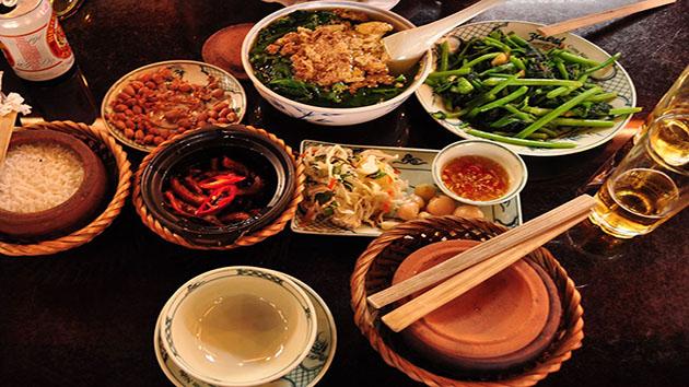 Nhà hàng cơm niêu Hương Việt