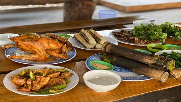 Nhà hàng Hương Rừng - Cơm lam, gà nướng đậm chất Tây Nguyên