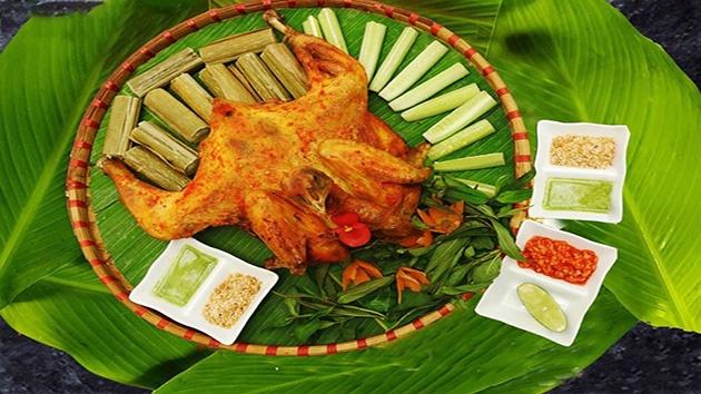 Nhà hàng Hương Rừng - cơm lam, gà nướng