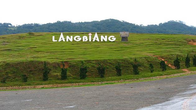 Chinh phục đỉnh Langbiang trong chương trình tour Đà Lạt 3n3d