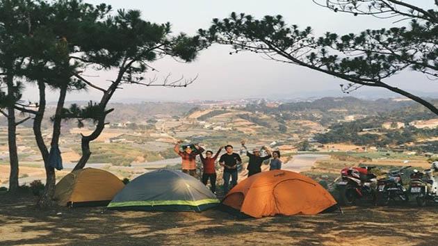 Cắm trại qua đêm tại đỉnh Hòn Bồ Đà Lạt