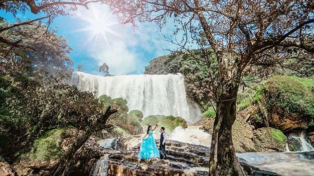 Khung cảnh thơ mộng và hùng vĩ tại thác Voi