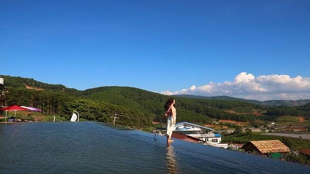 """Hồ Trên Mây - Địa điểm chụp ảnh """"cực chill"""" tại Đà Lạt"""