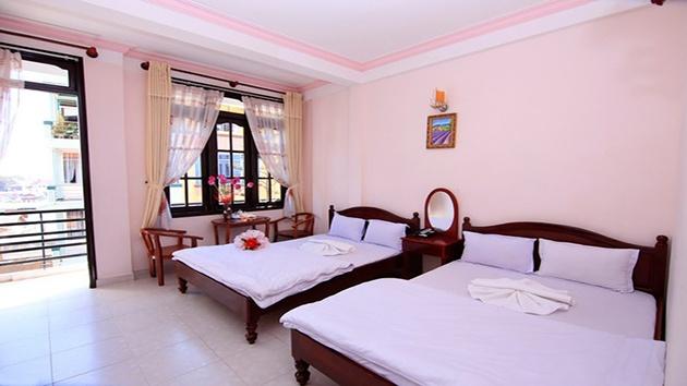 Phòng đôi khách sạn Quỳnh Giao