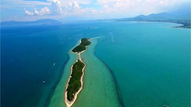 Đảo Điệp Sơn - Trải nghiệm con đường đi trên biển độc đáo
