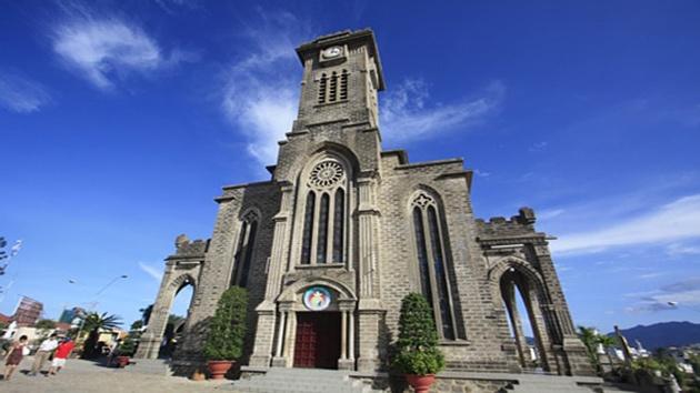 Nhà thờ Núi - Kiến trúc Pháp rất riêng biệt giữa lòng Nha Trang