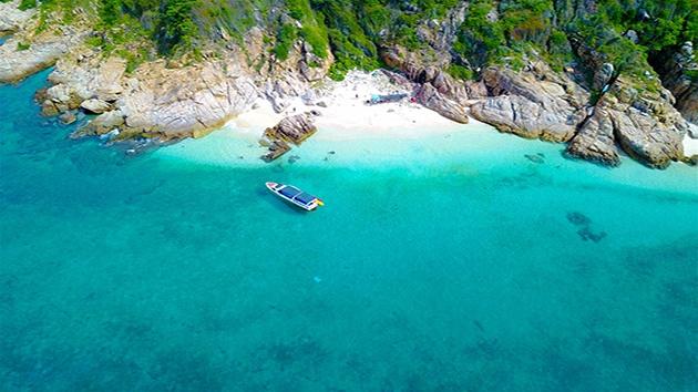 Vịnh Cam Ranh - Vịnh biển có màu nước đẹp nhất Đông Nam Á